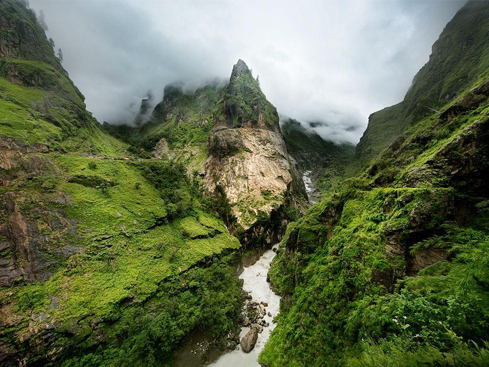 nepal-annapurna-river-mist_84241_990x742